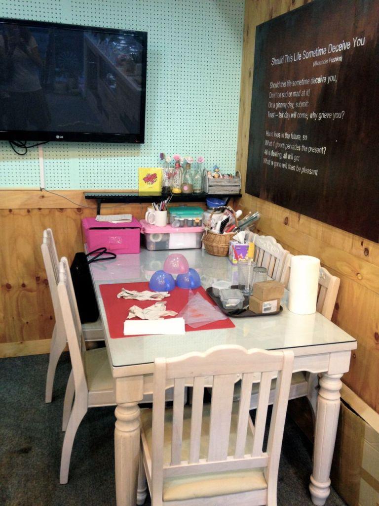 Cupcake Saii: Decorating Cupcakes in Geoje, South Korea